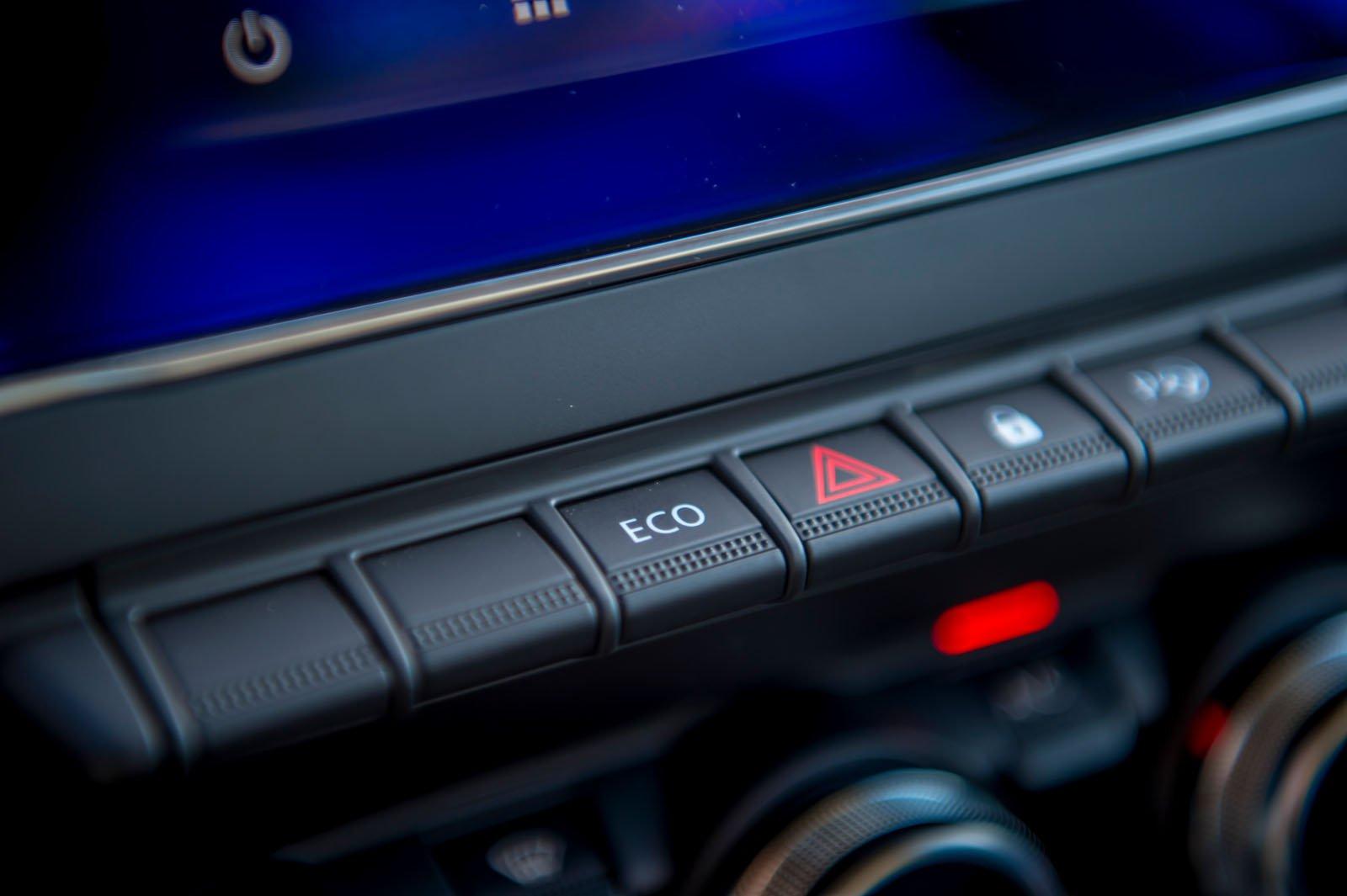 Renault Zoe 2019 LHD infotainment buttons