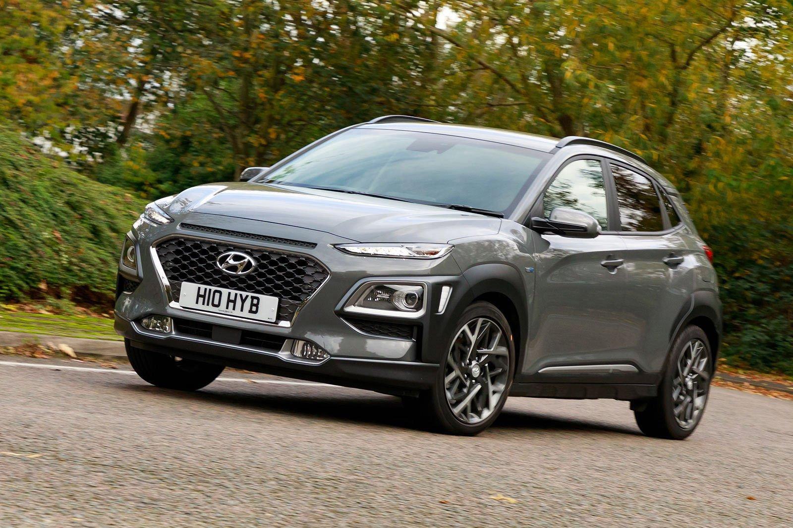 Hyundai Kona Hybrid front three quarters