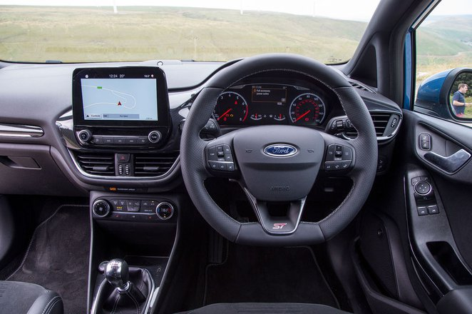Ford Fiesta ST - interior
