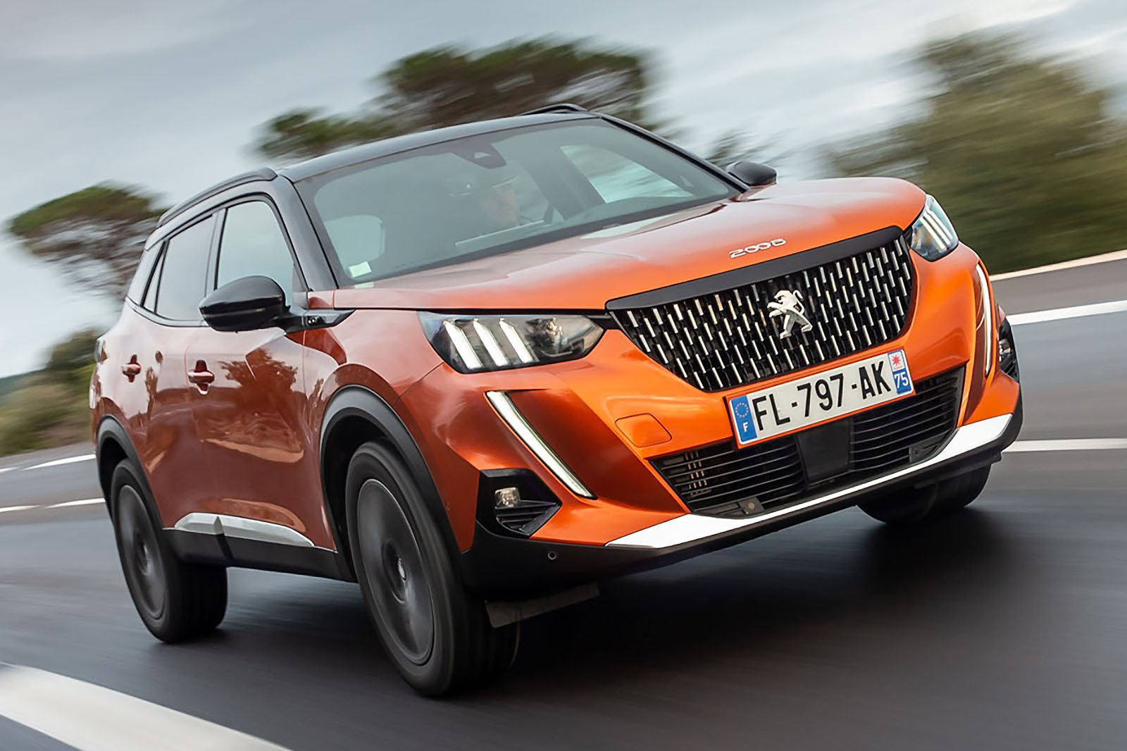 Peugeot 2008 2019 front tracking