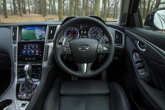 Infiniti Q50 Hybrid - interior