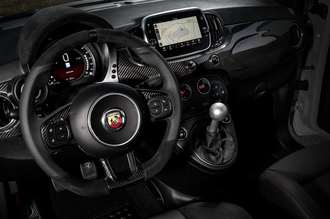 Abarth 595 - interior