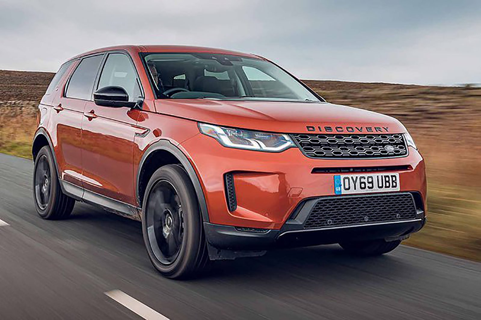 Land Rover Discovery Sport front three quarters