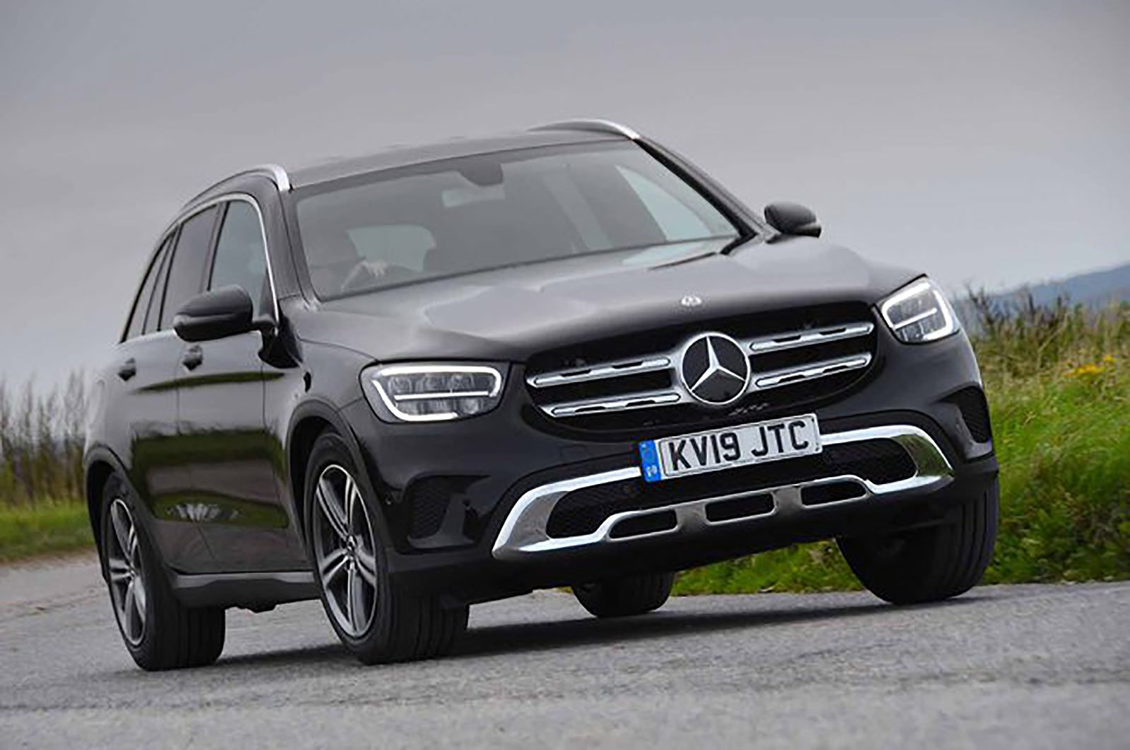 Mercedes-Benz GLC front three quarters
