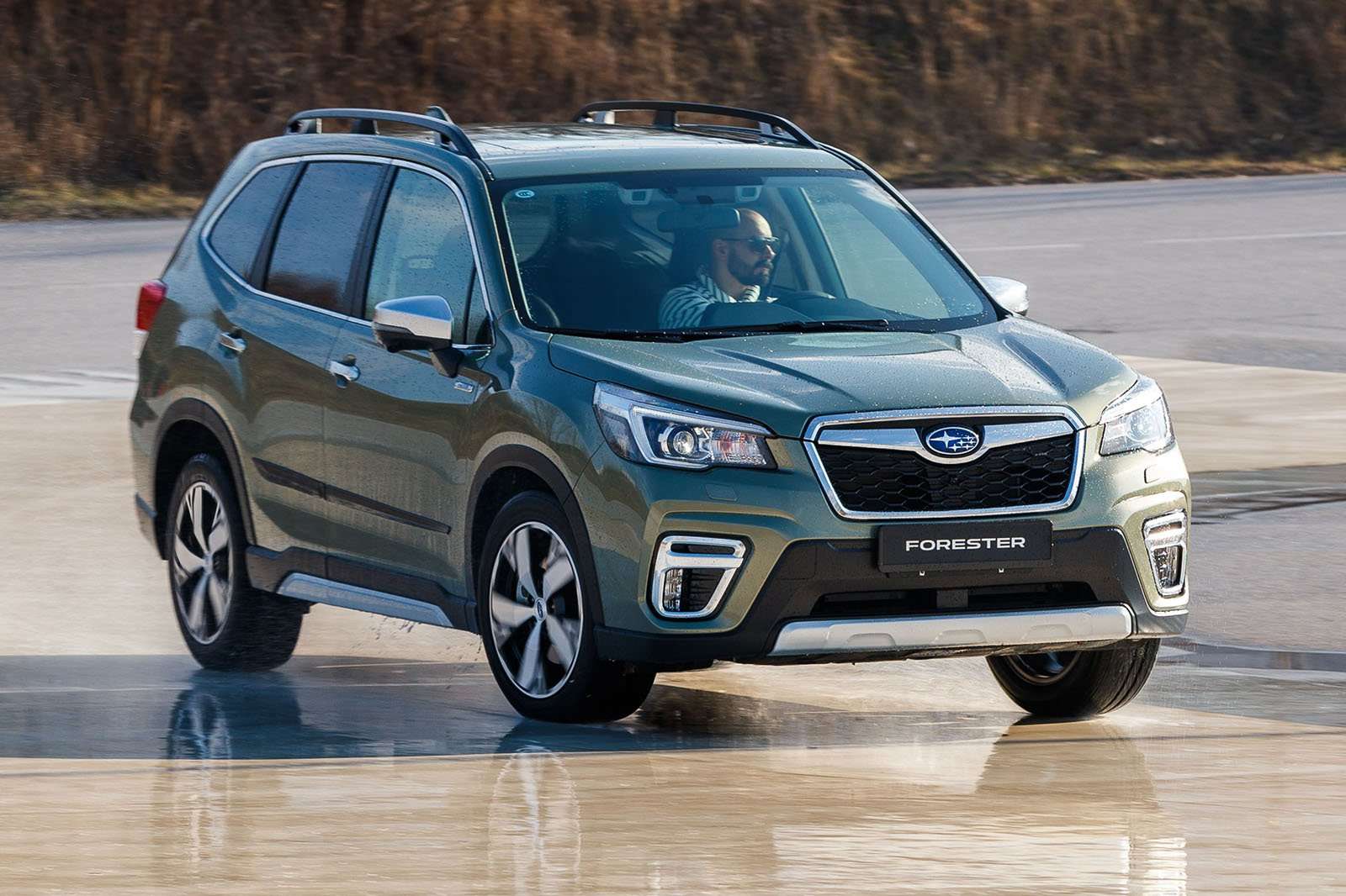 Subaru Forester e-Boxer front three quarters