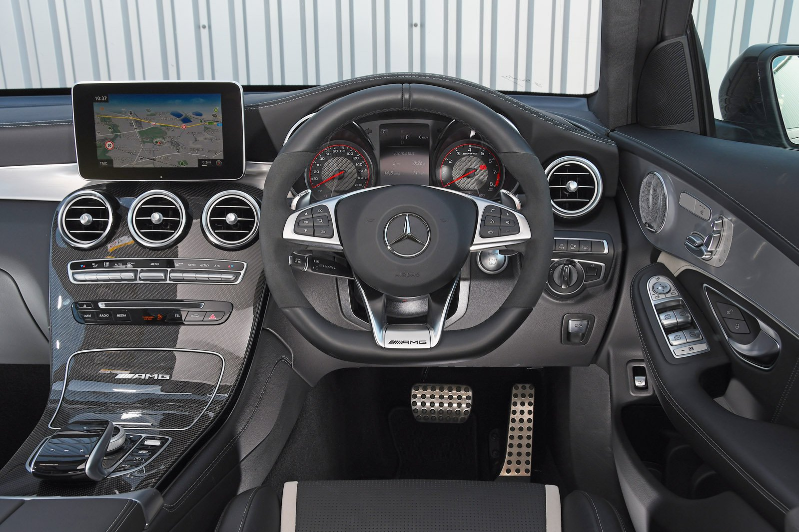 Mercedes-AMG GLC 63 - interior