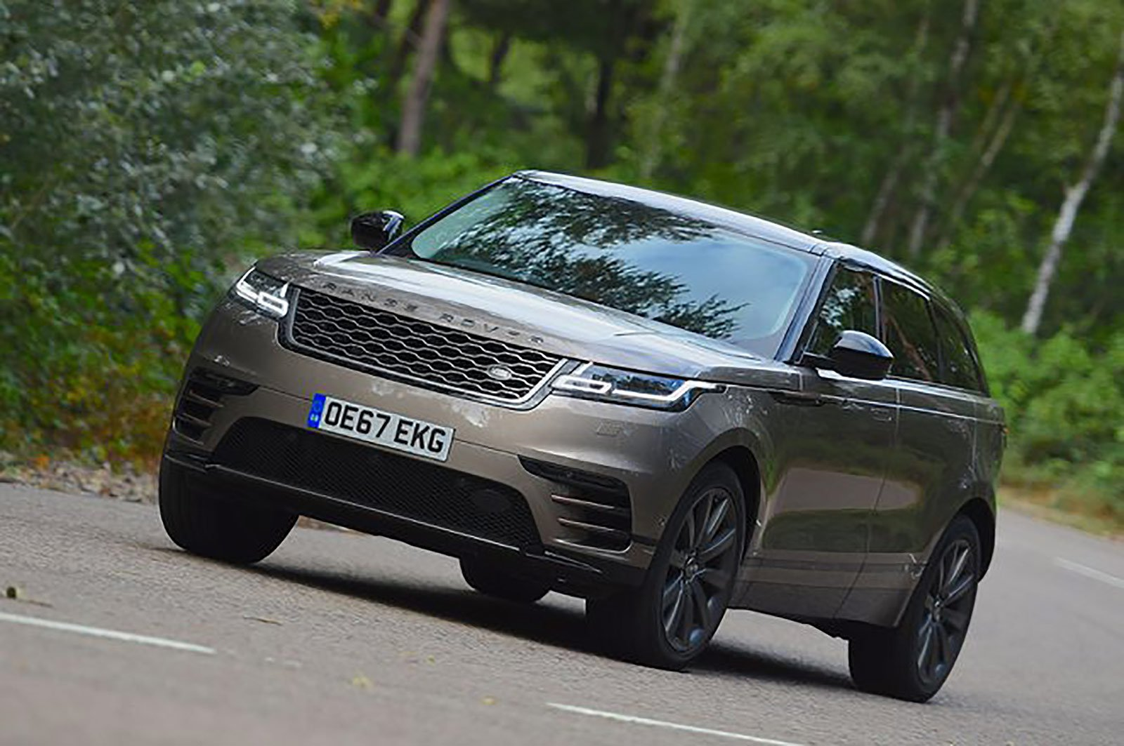 Range Rover Velar front three quarters