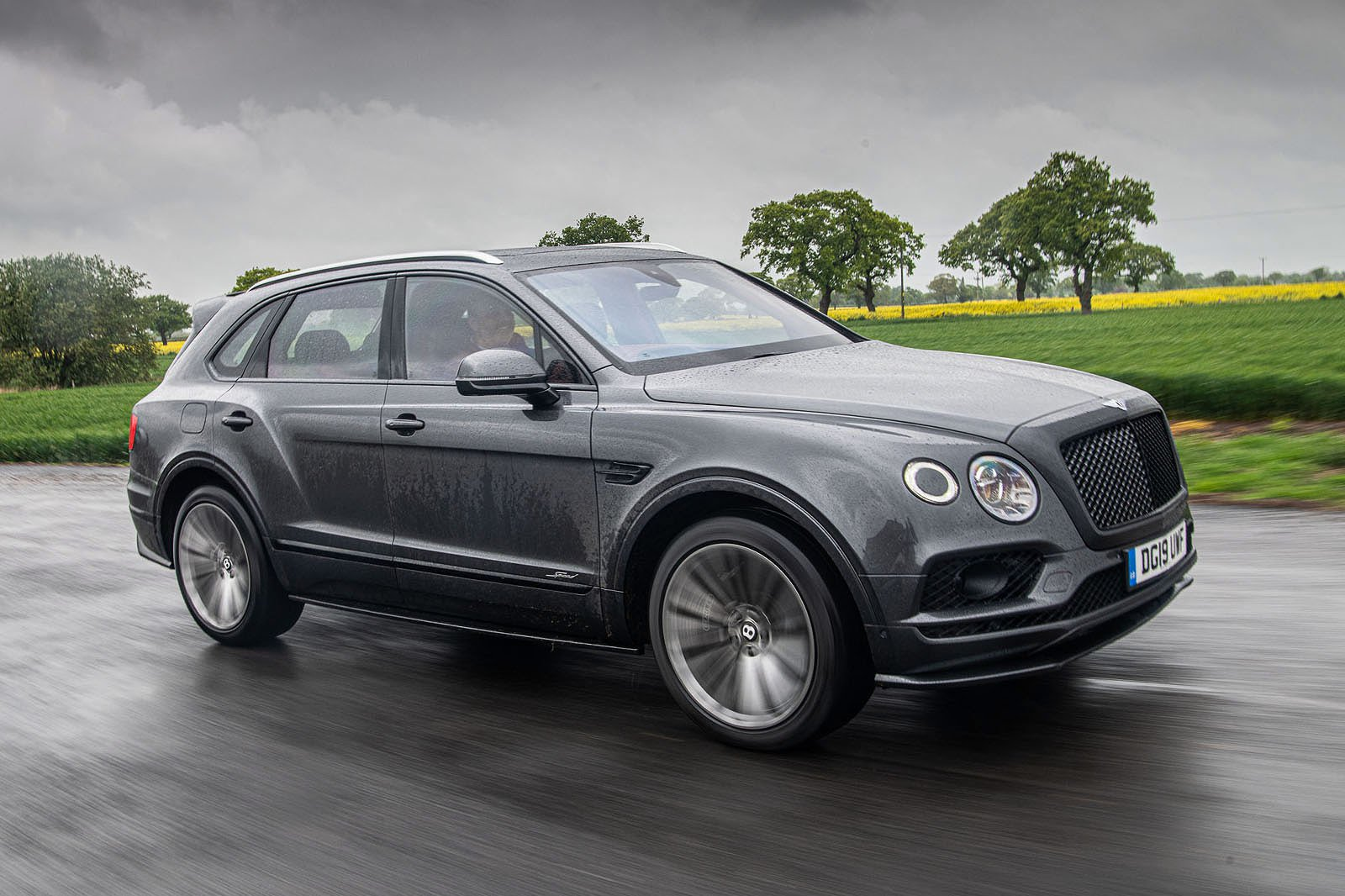 Bentley Bentayga Speed front three quarters