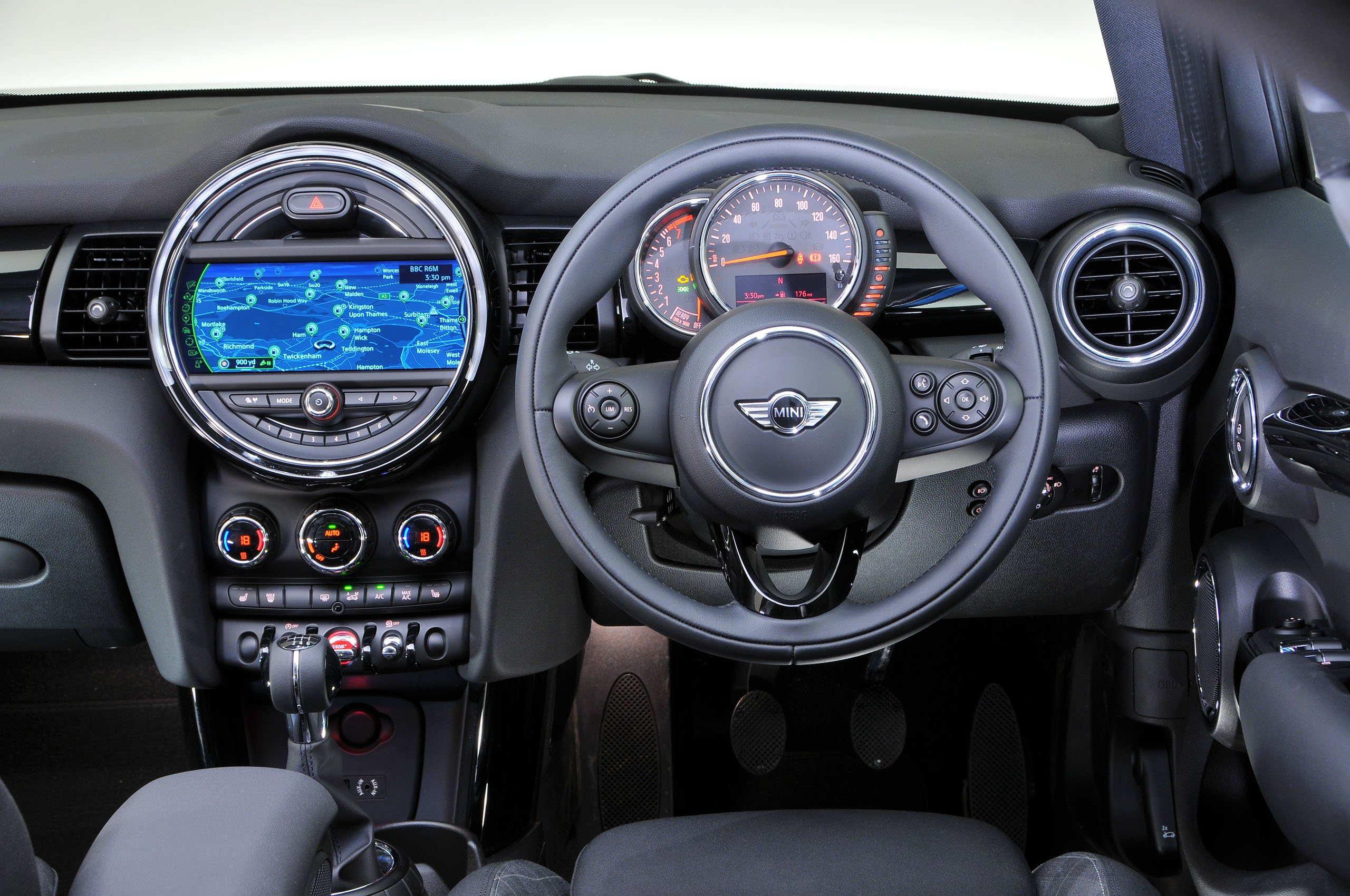 Mini 5dr - interior