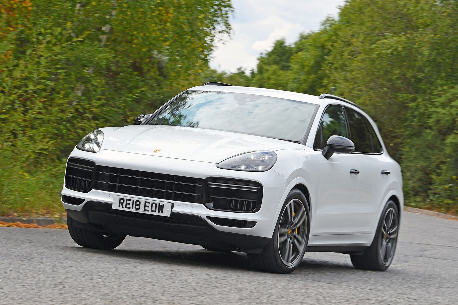 Porsche Cayenne Turbo front three quarters