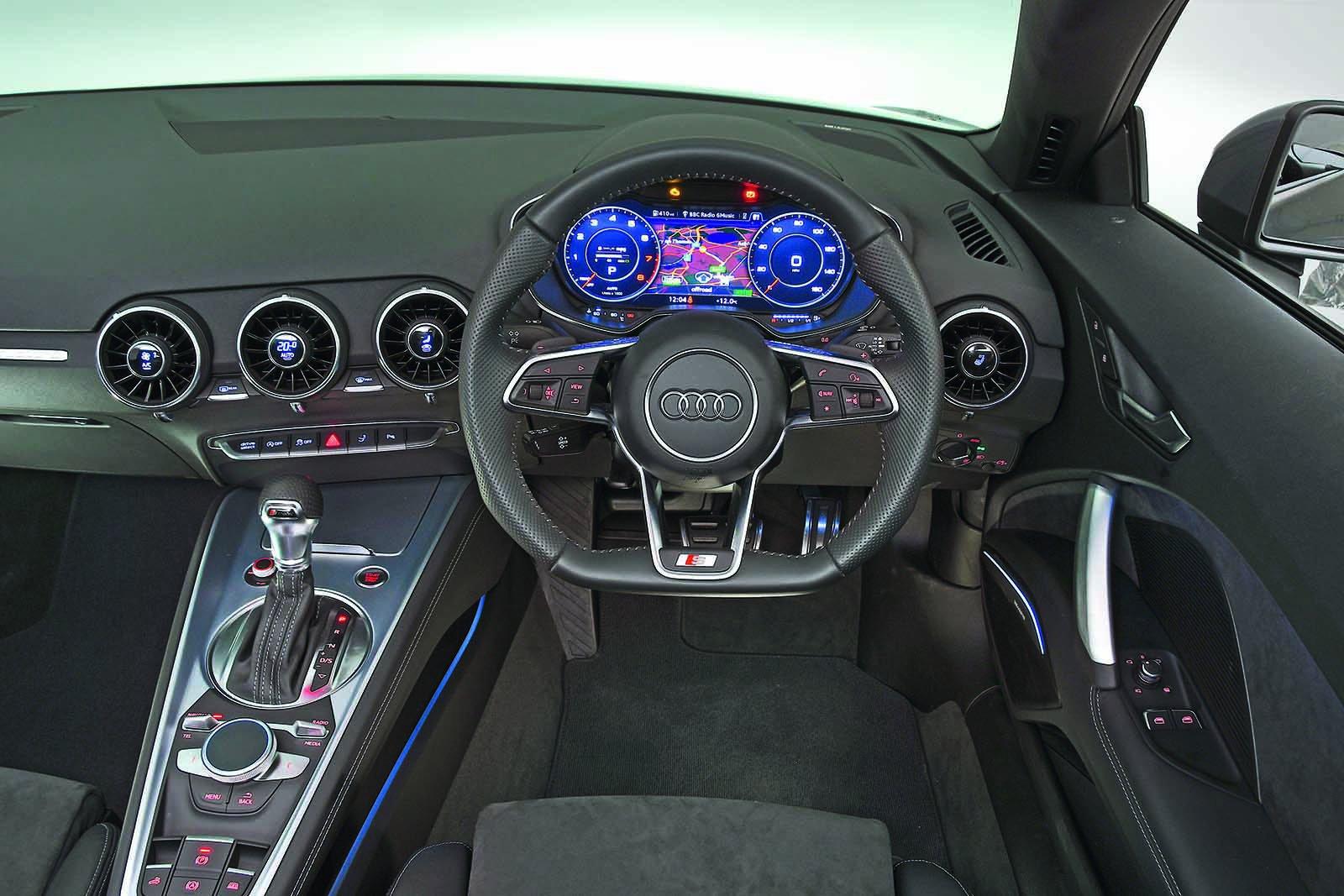 Audi TT Roadster 40 TFSI Sport S tronic - interior