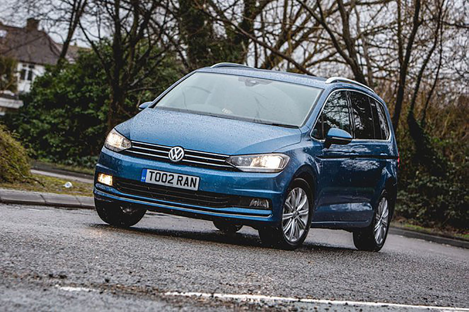 Volkswagen Touran front