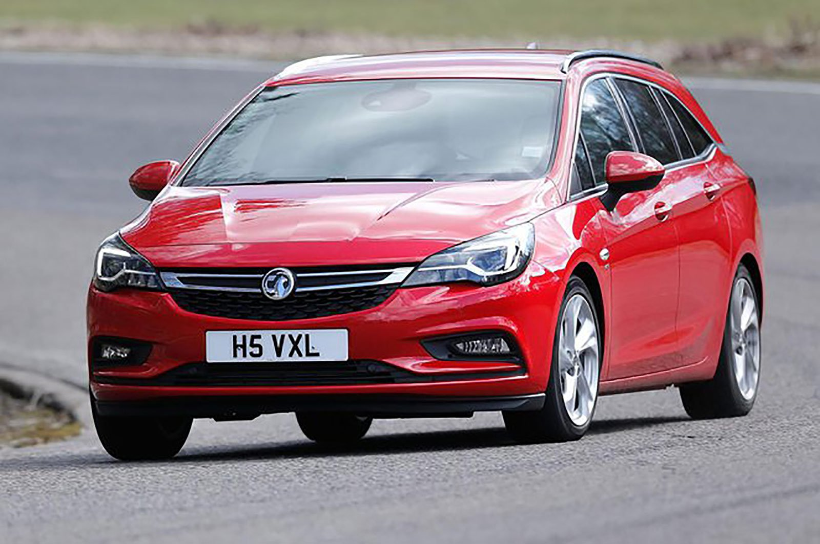 Vauxhall Astra Sports Tourer front