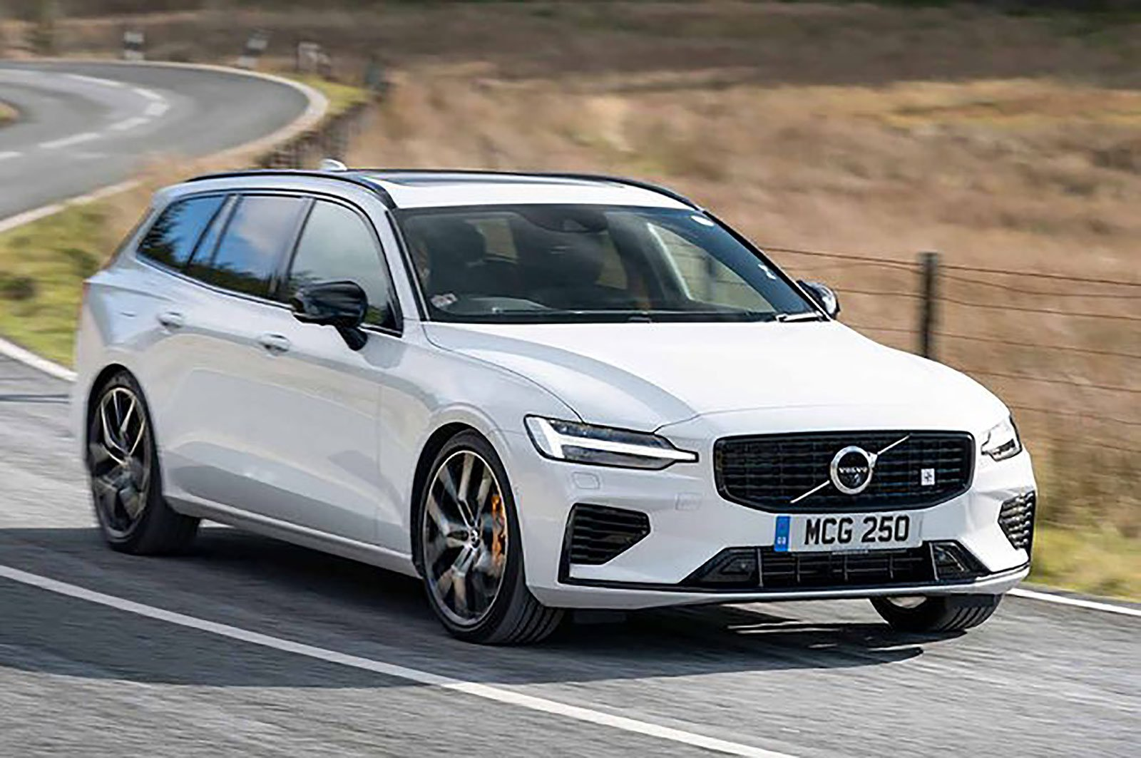 Volvo V60 front three quarters