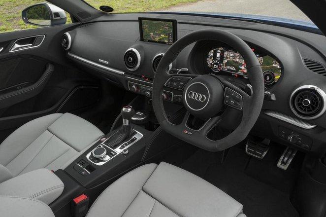Audi RS3 - interior
