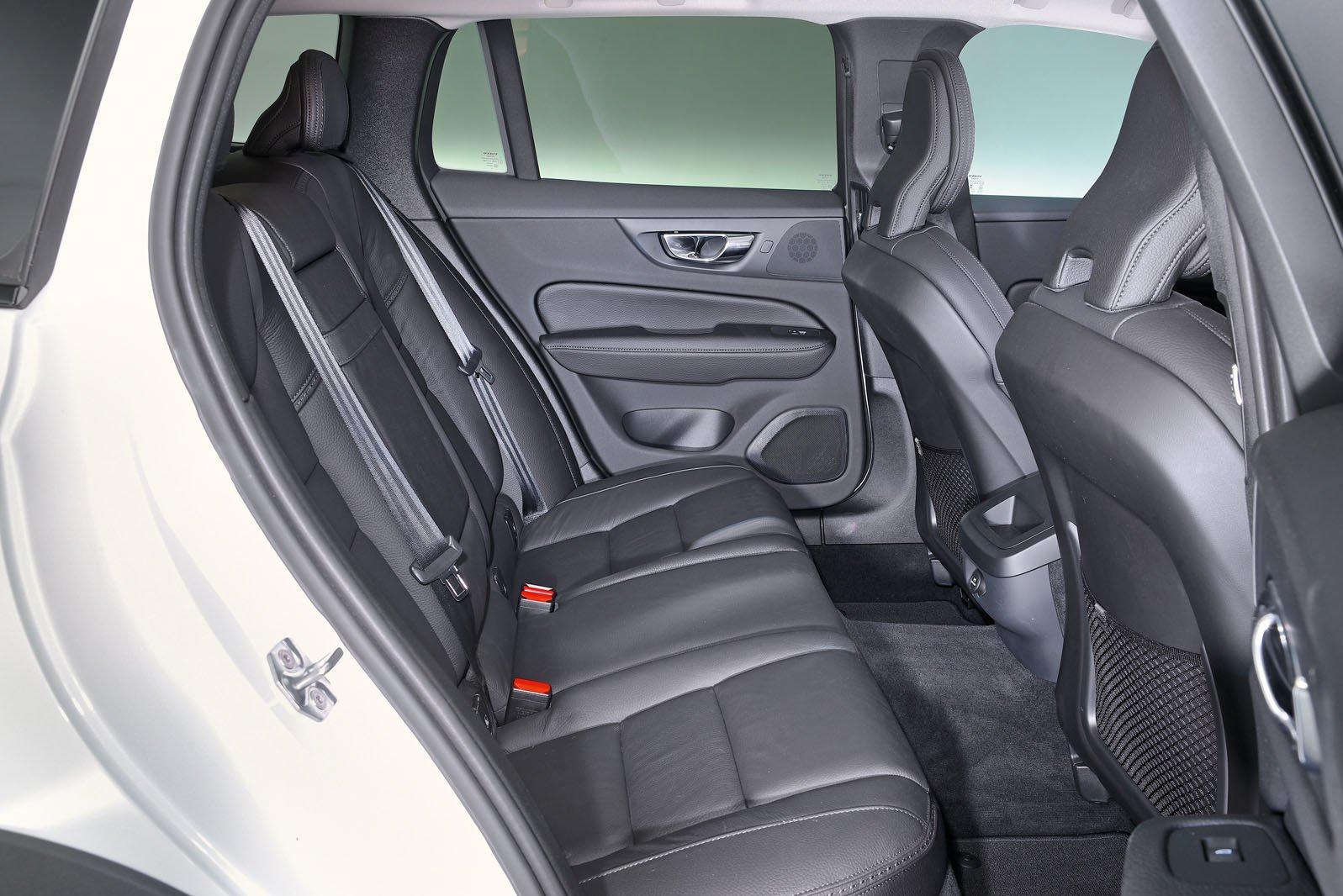 Volvo V60 rear seats