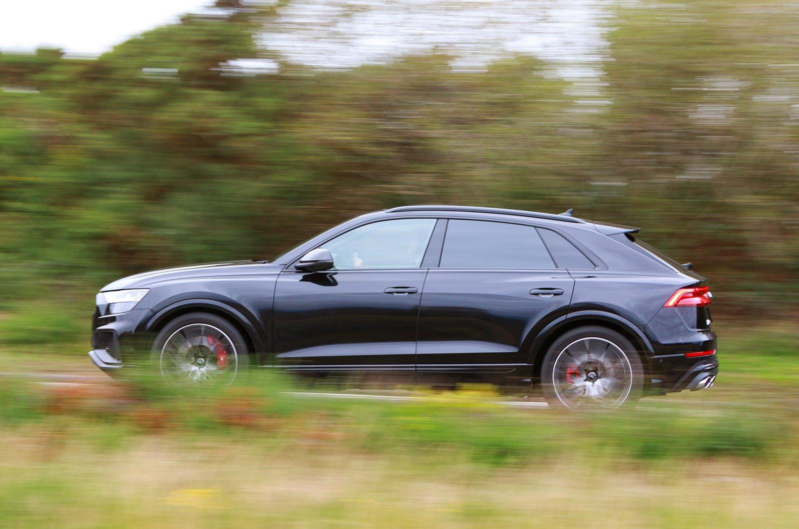 Audi SQ8 side