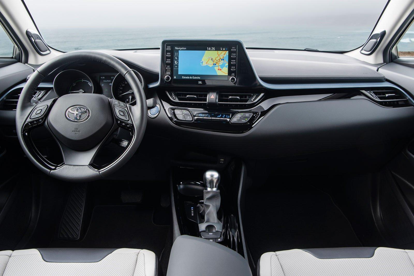 2020 toyota c-hr interior dashboard
