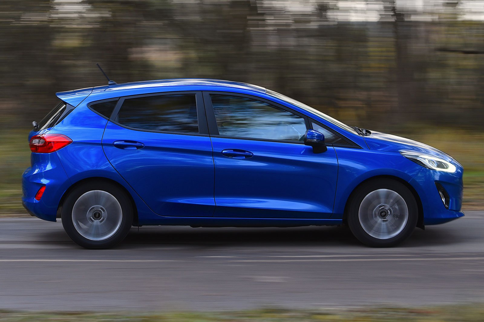 2019 ford fiesta trend blue side profile