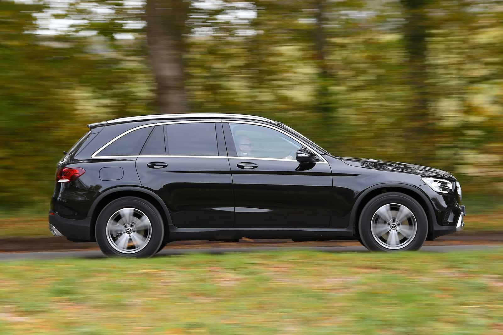 Mercedes-Benz GLC 2019 right panning