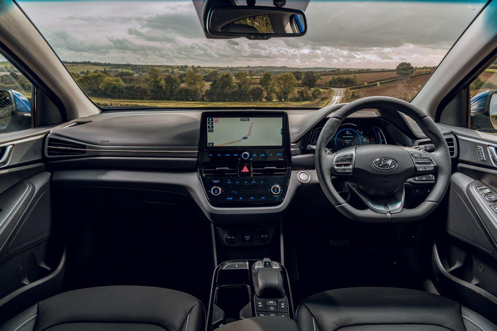 Hyundai Ioniq Electric 2019 RHD dashboard