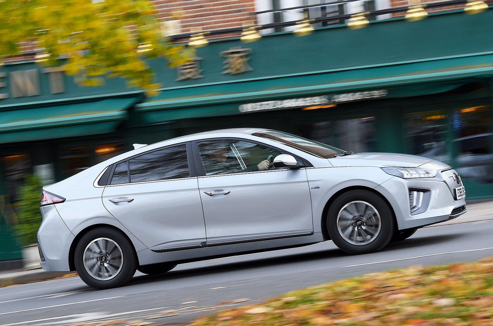 Hyundai Ioniq Electric side