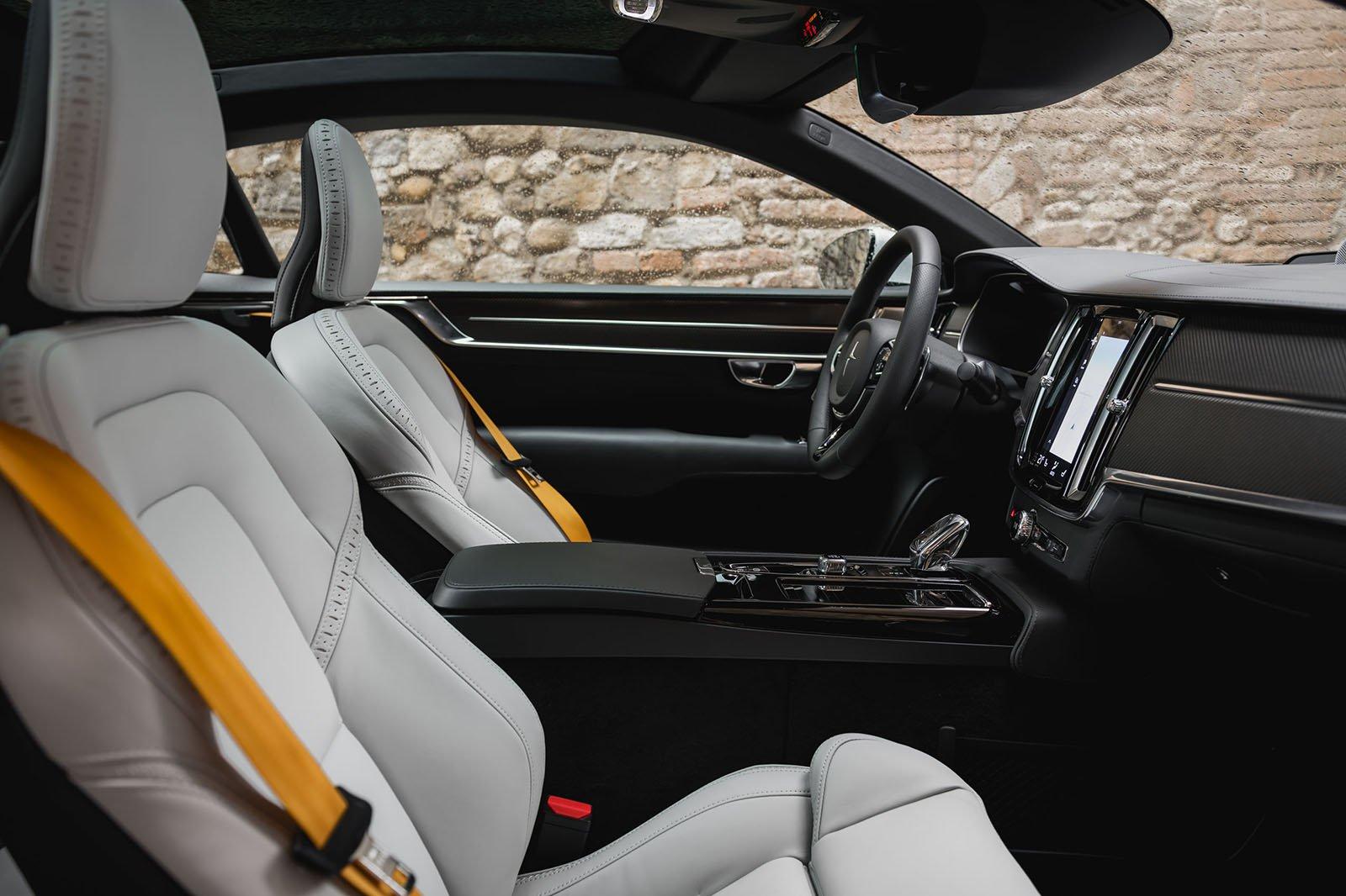 Polestar 1 2019 LHD front seats