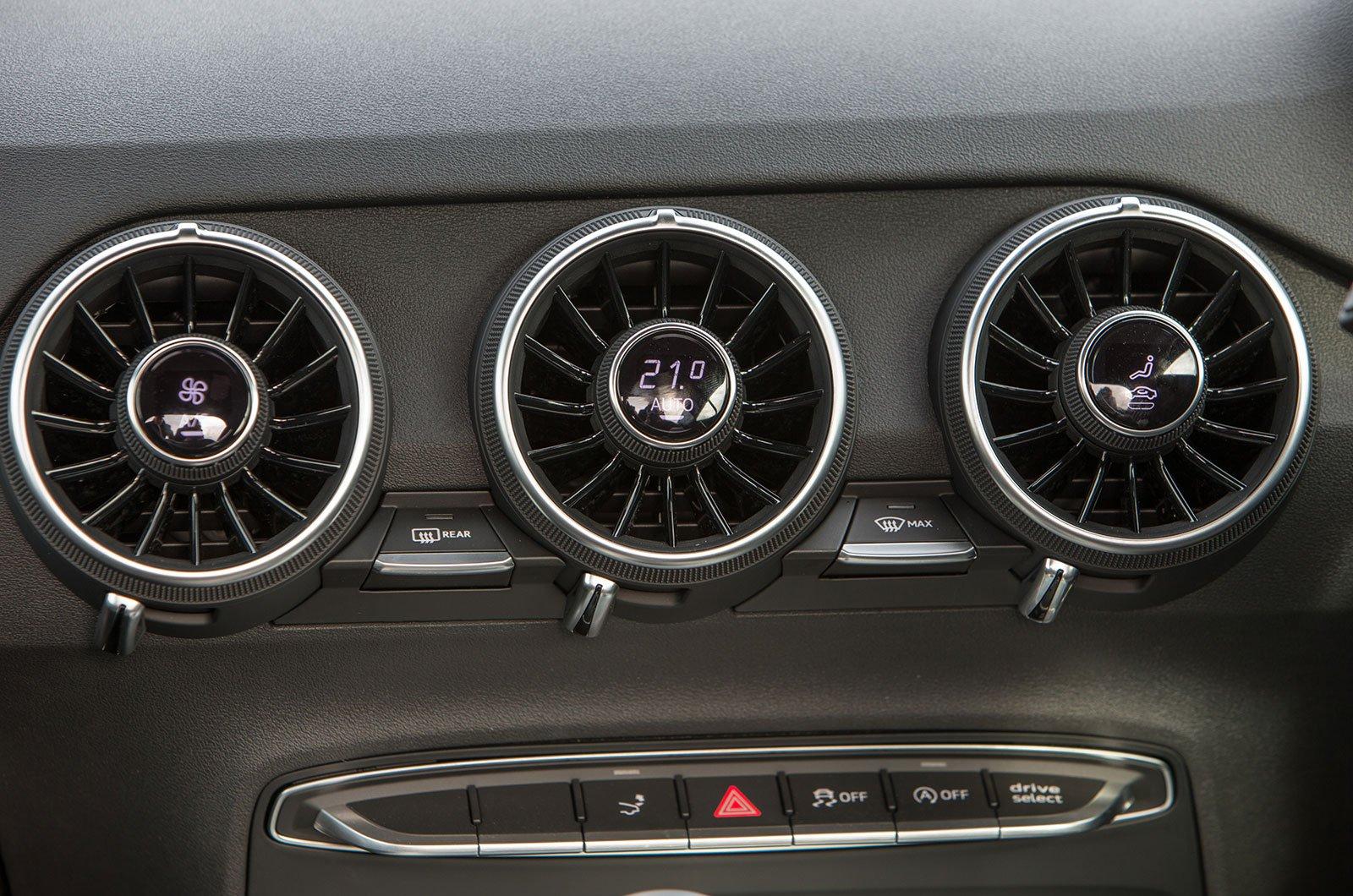 Audi TT climate controls