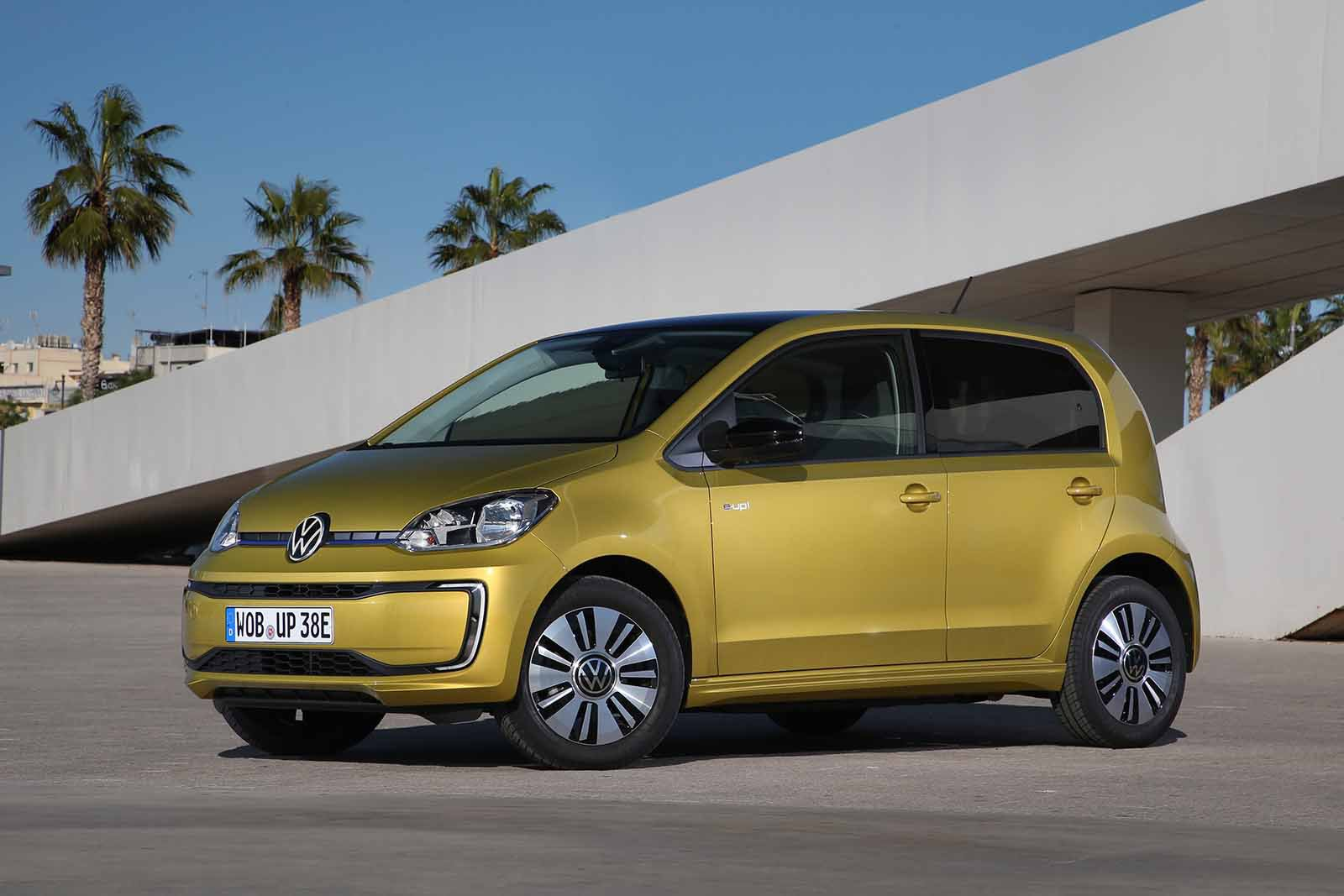 Volkswagen e-Up 2019 LHD front static