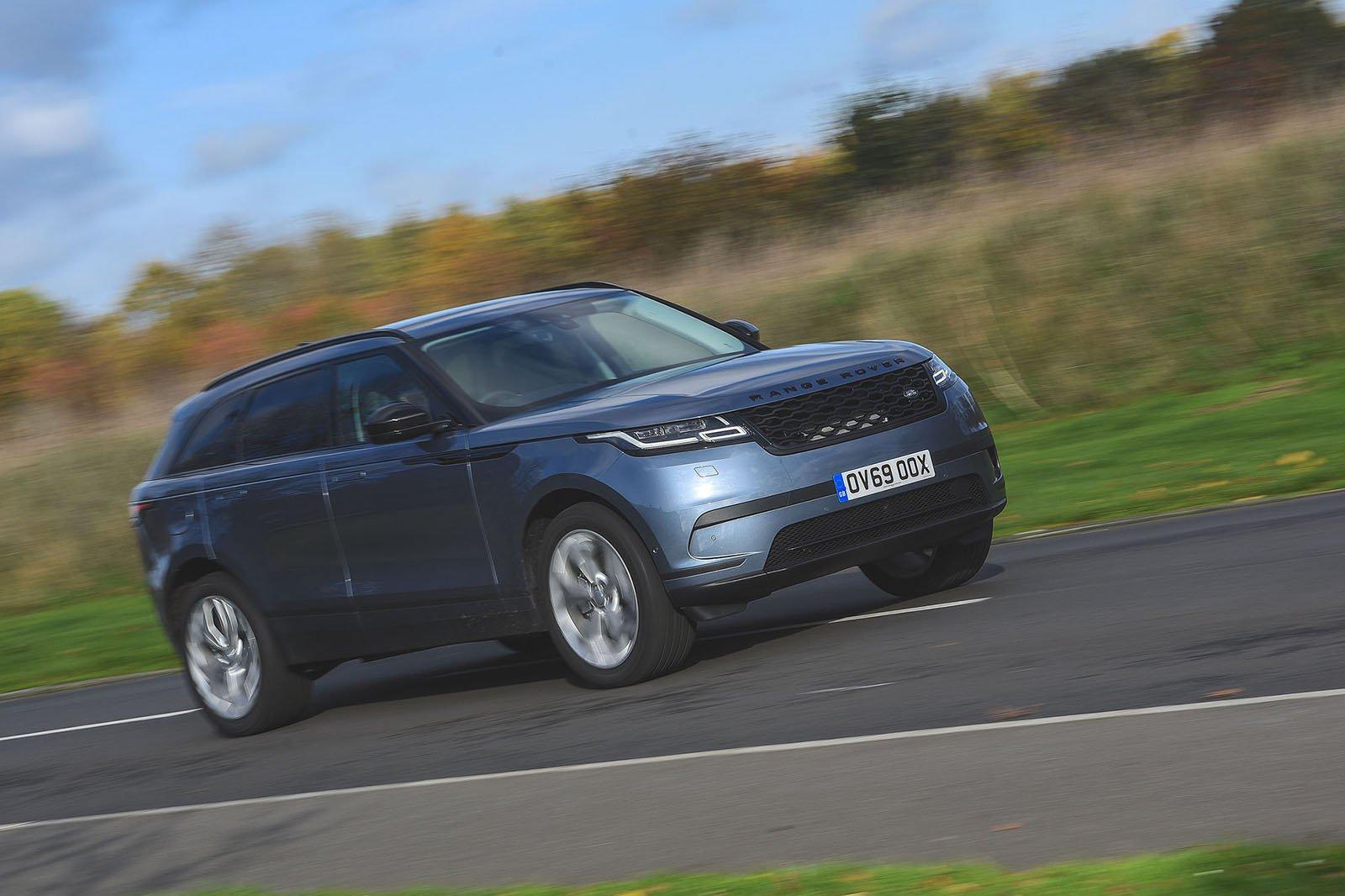 2019 Range Rover Velar D180 R-Dynamic SE front and side shot
