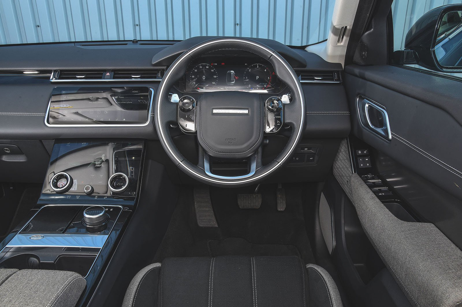 2019 Range Rover Velar D180 R-Dynamic SE dashboard