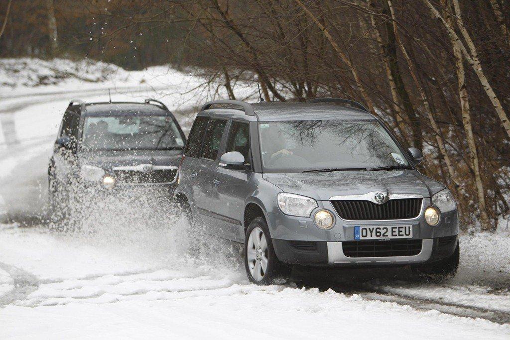 Skoda Yeti front in snow