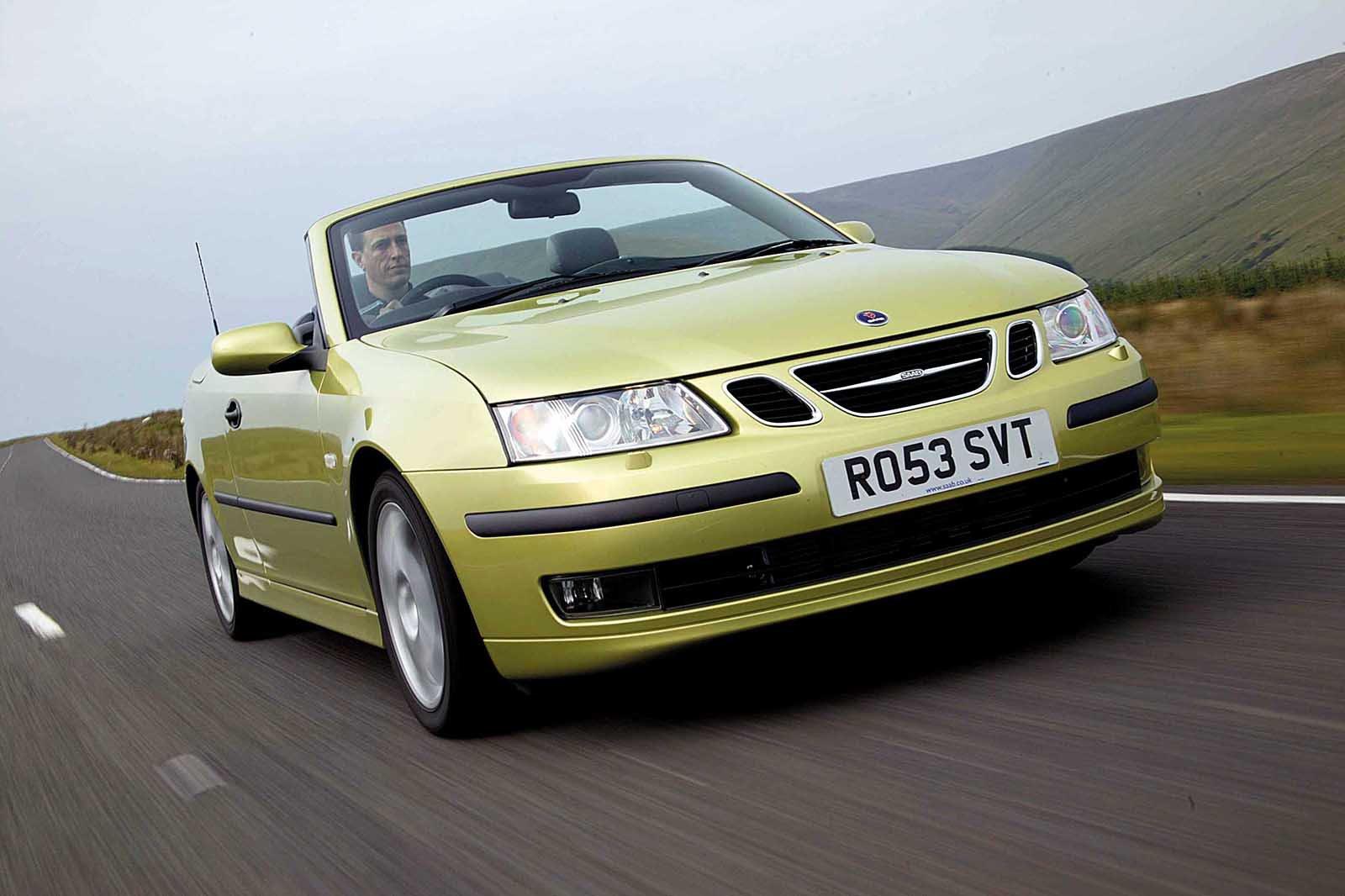 Saab 900 front