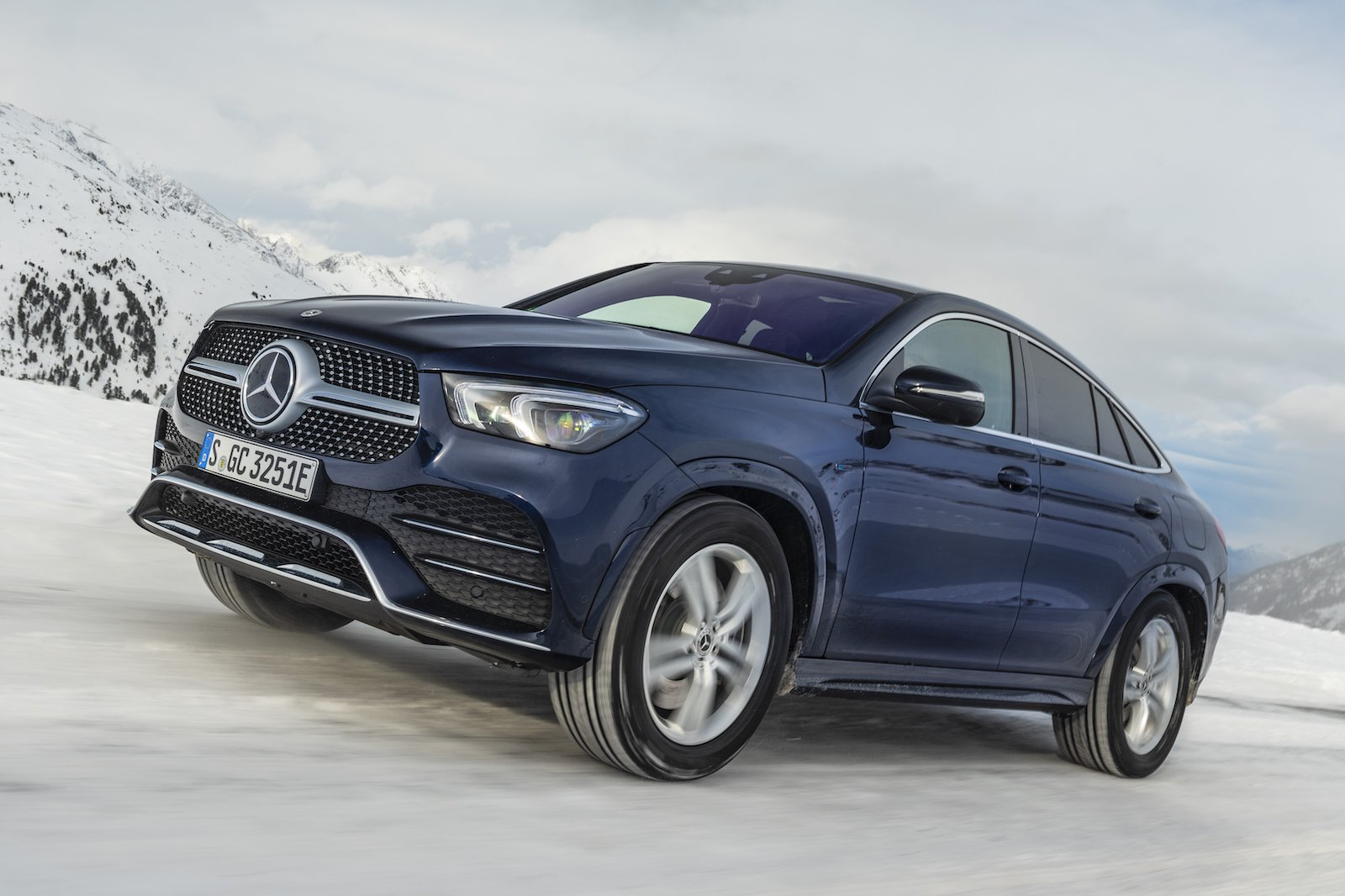 2020 Mercedes GLE Coupe front 3/4