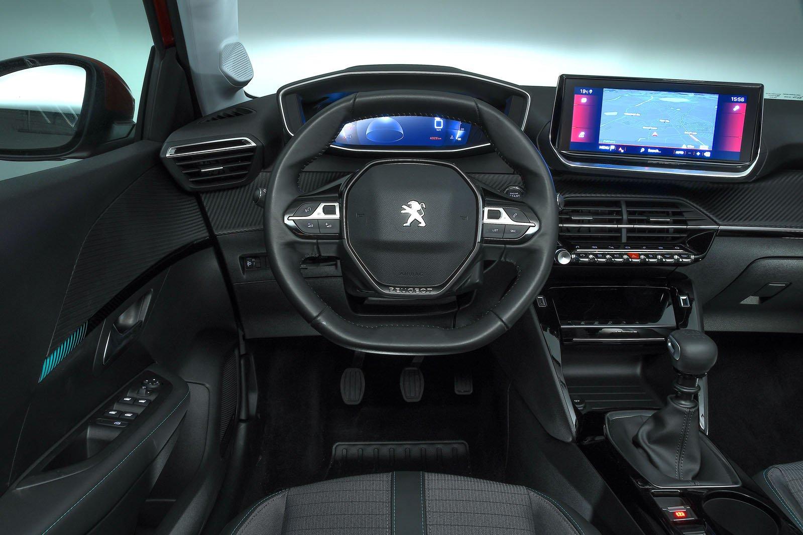 Peugeot 208 2019 dashboard (LHD)