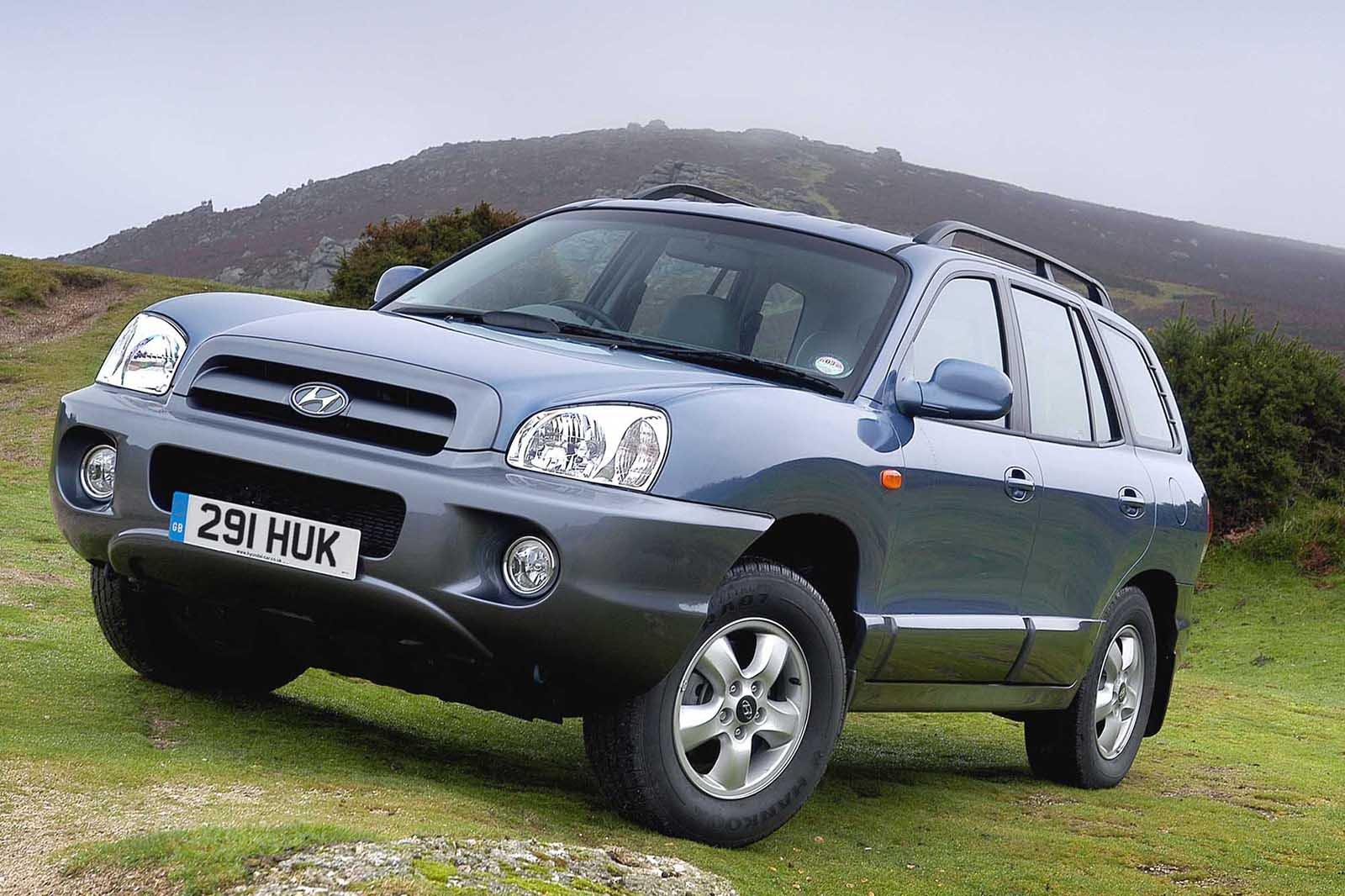 Hyundai Santa Fe front three quarters
