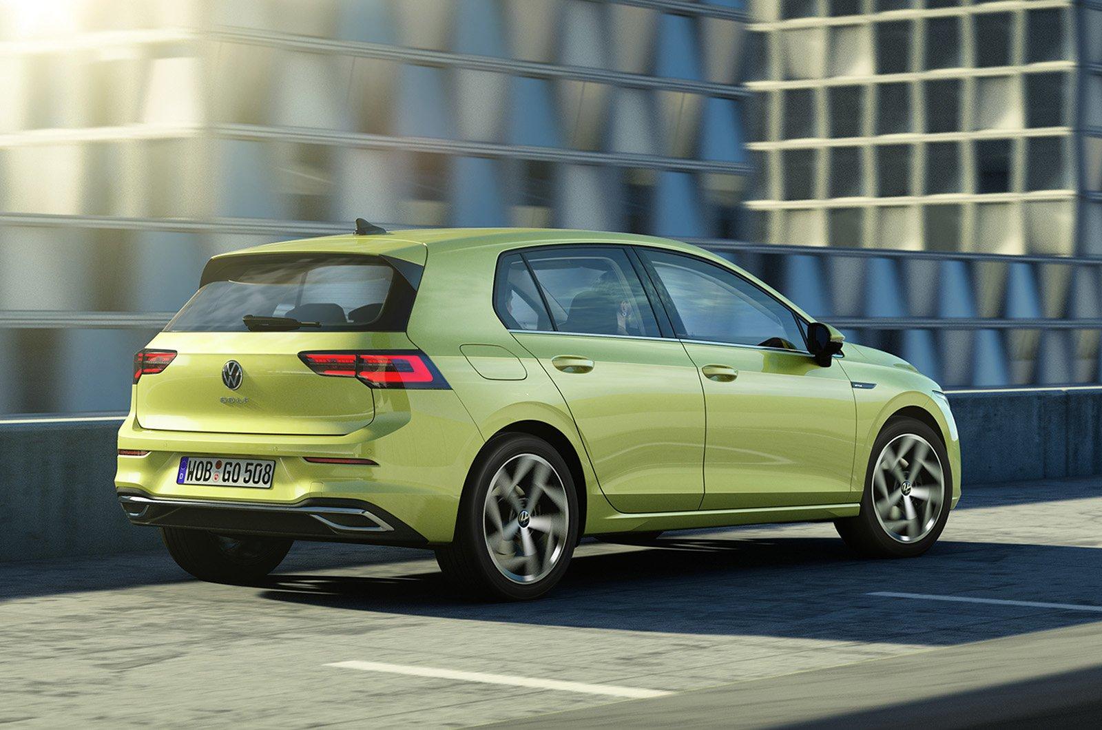 2020 Volkswagen Golf driving