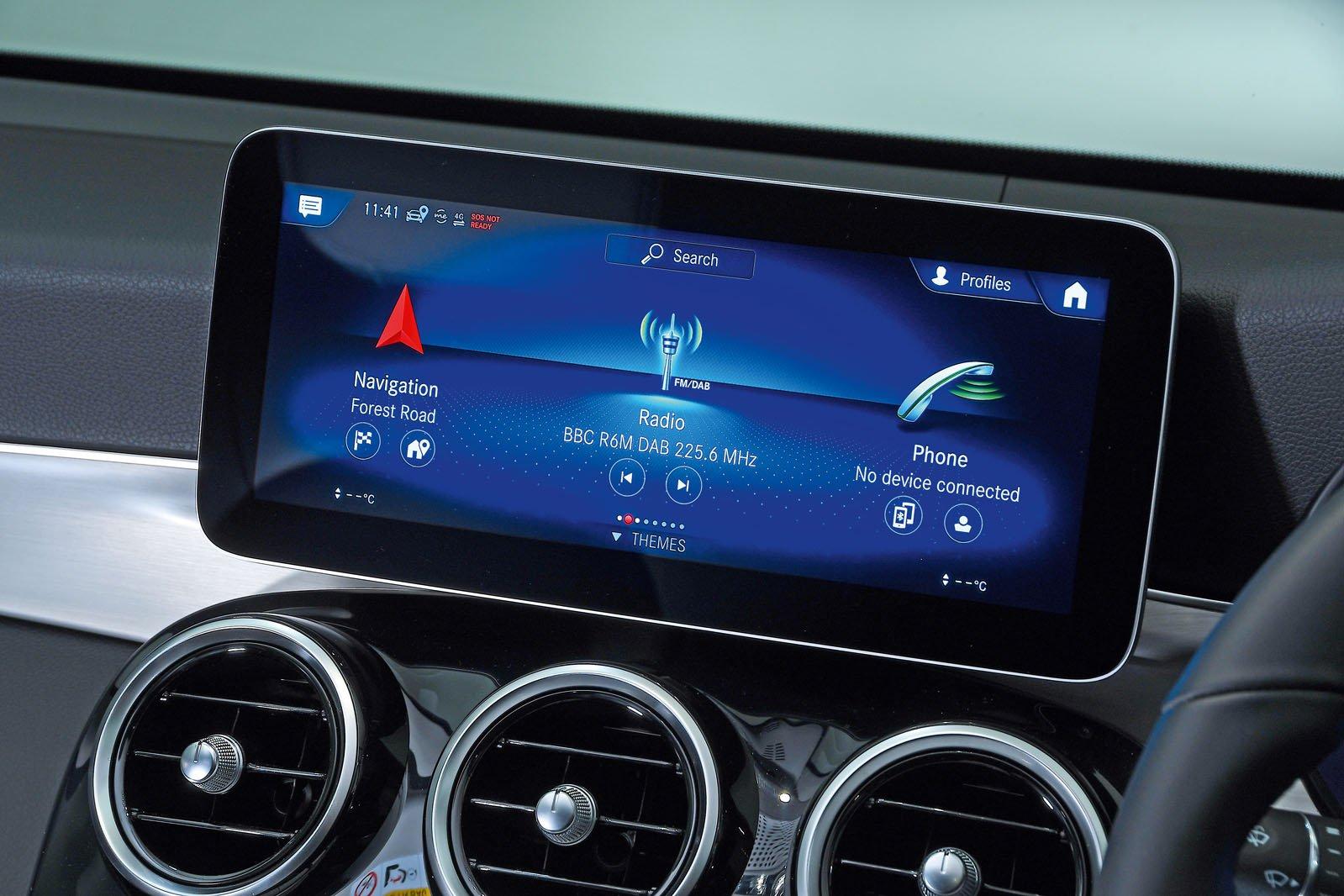 Mercedes GLC infotainment