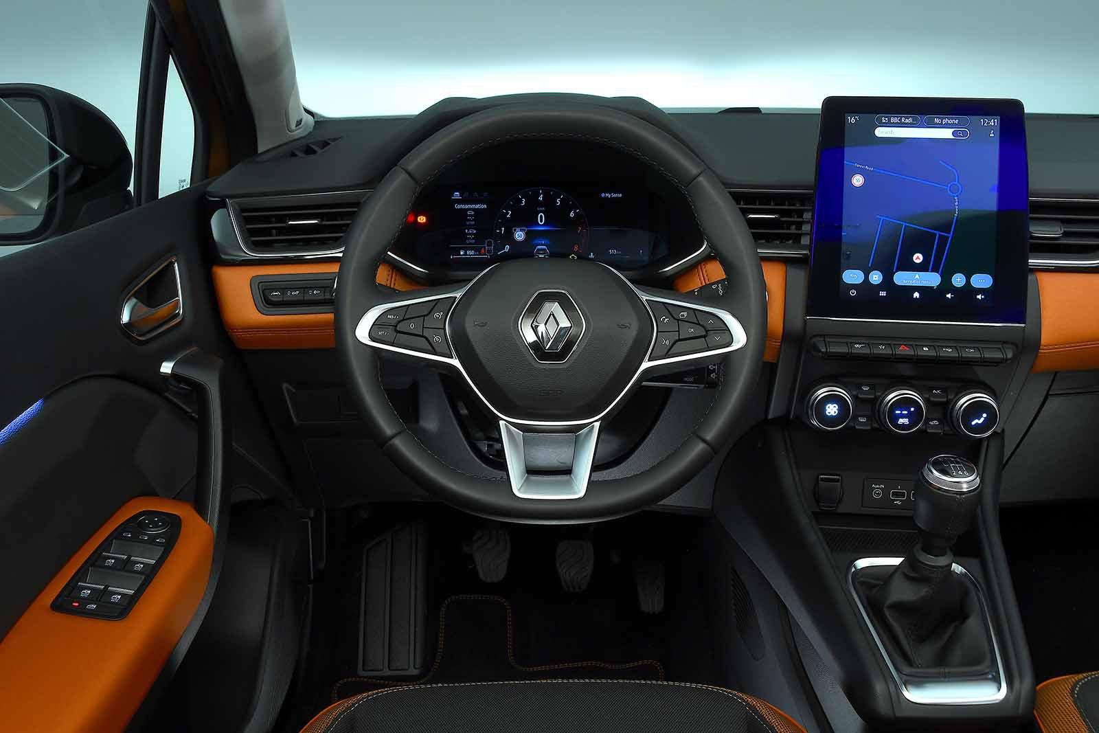 Renault Captur 2019 dashboard LHD