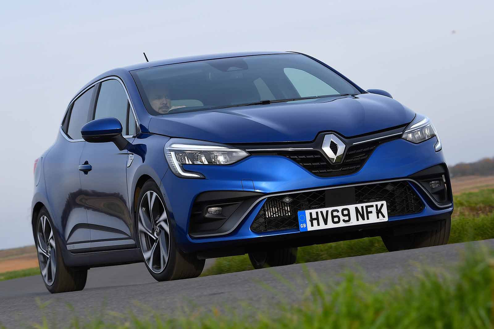 Renault Clio 2019 right front cornering RHD