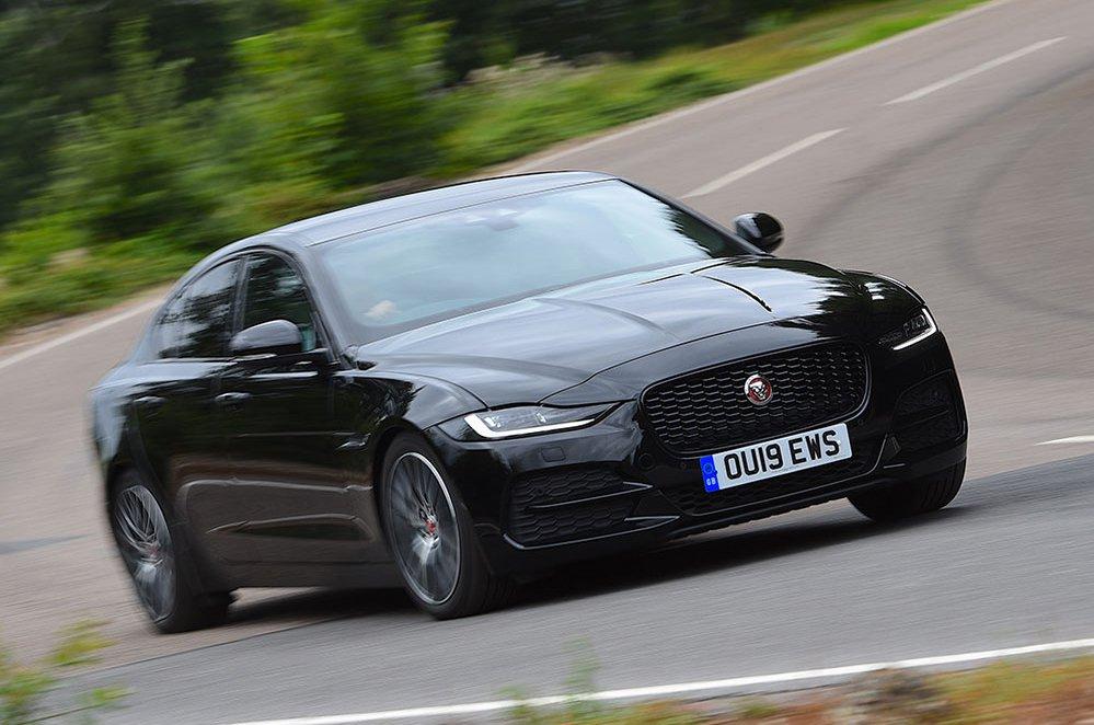 2019 Jaguar XE front