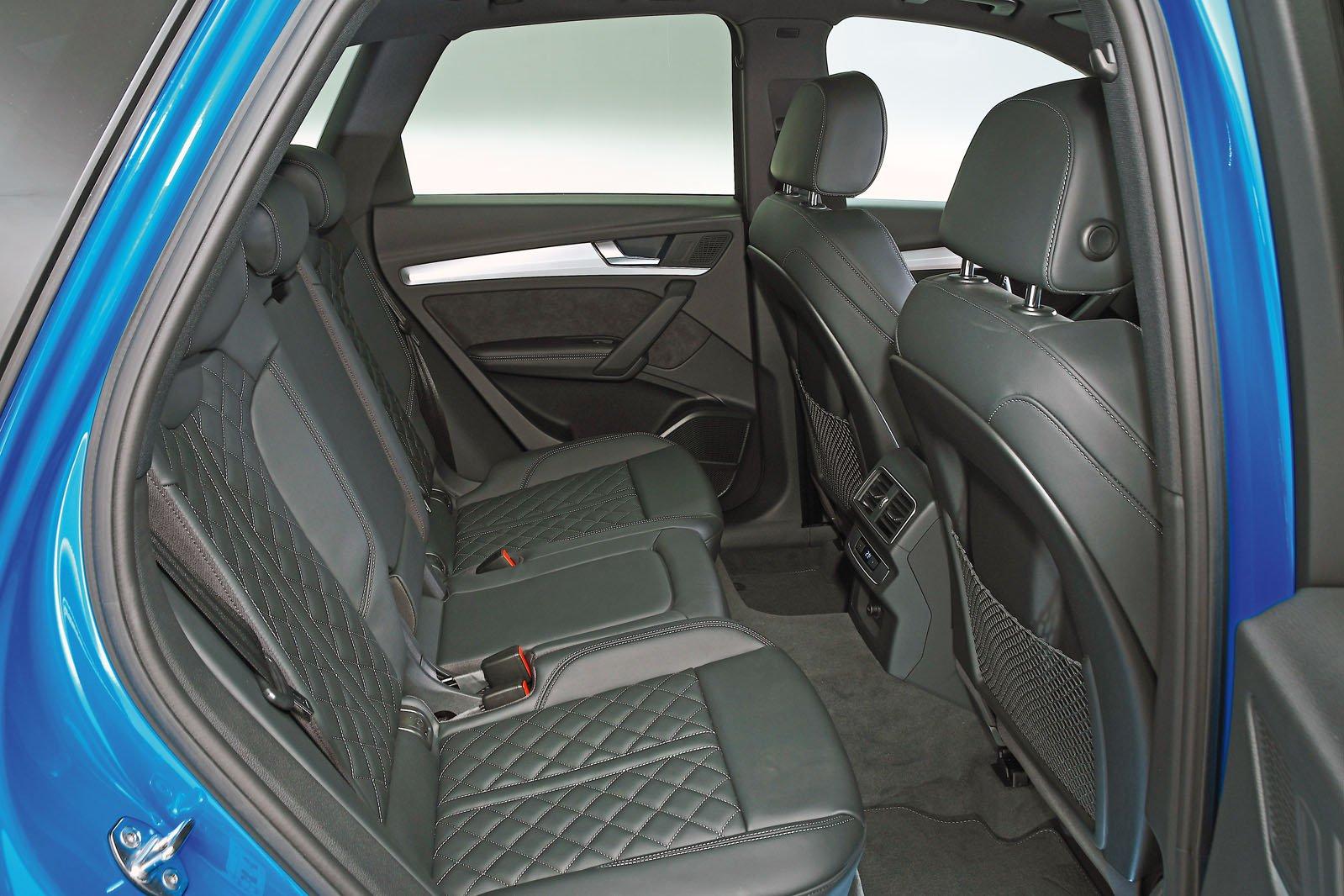 Audi Q5 rear space