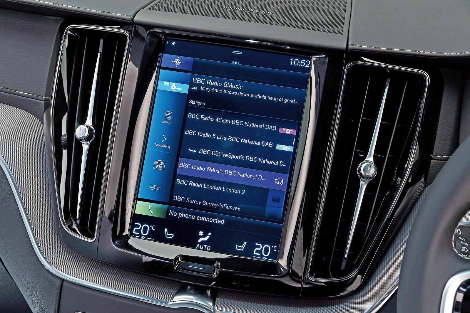 Volvo XC60 infotainment