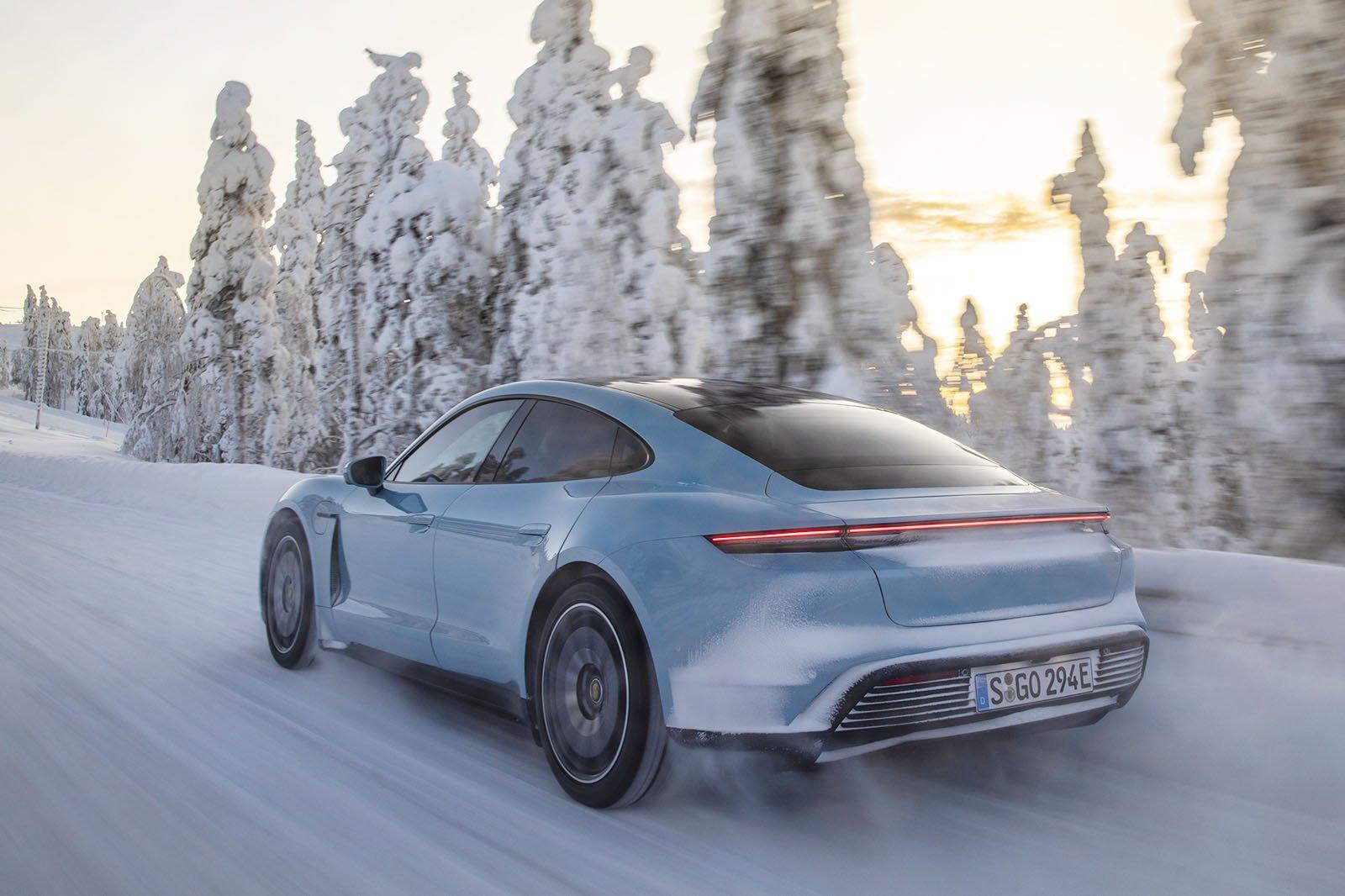 Porsche Taycan 4S rear in snow