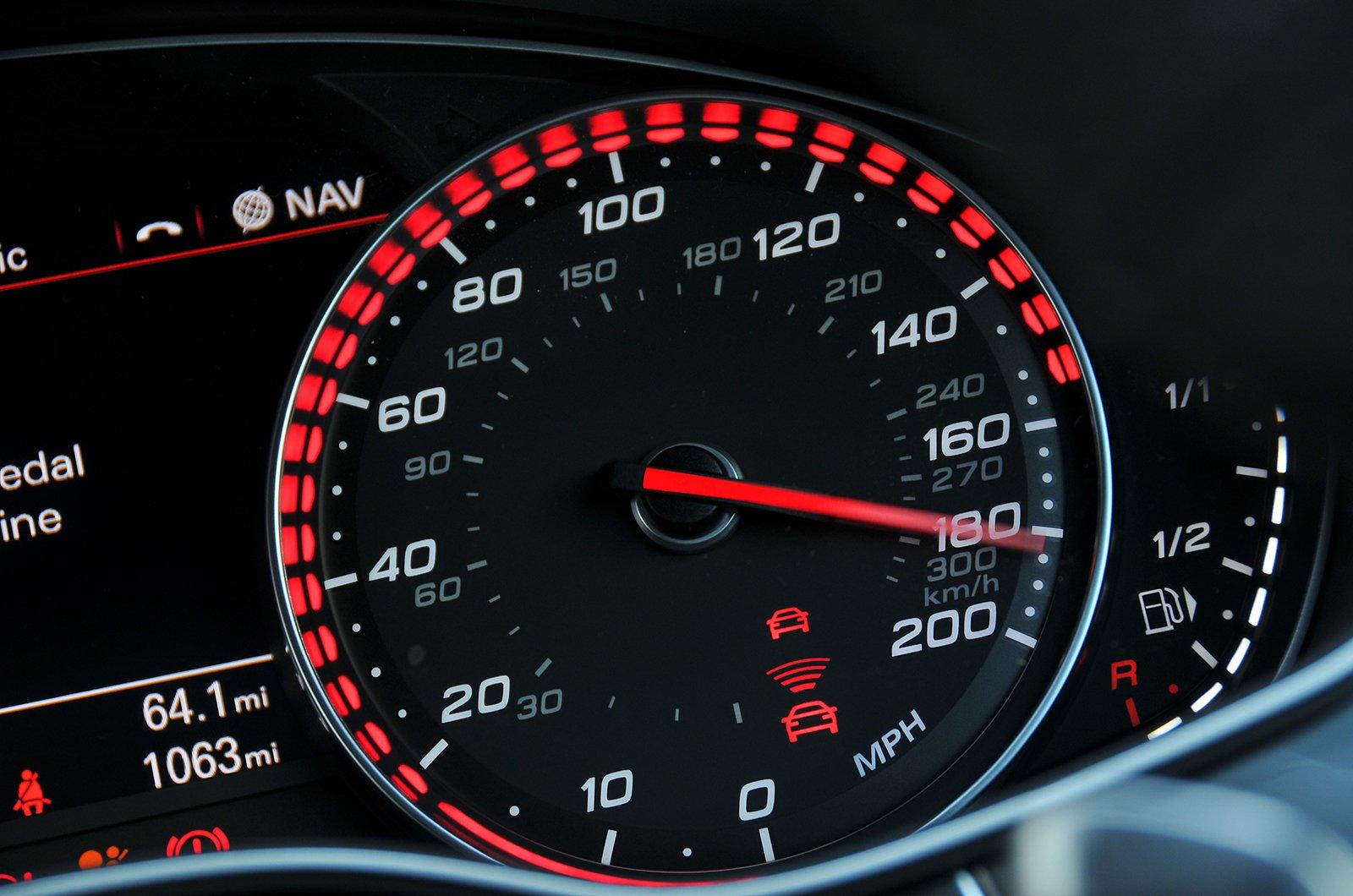 Audi RS7 speedo