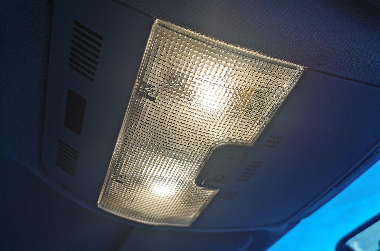 2003 Audi A3 interior light