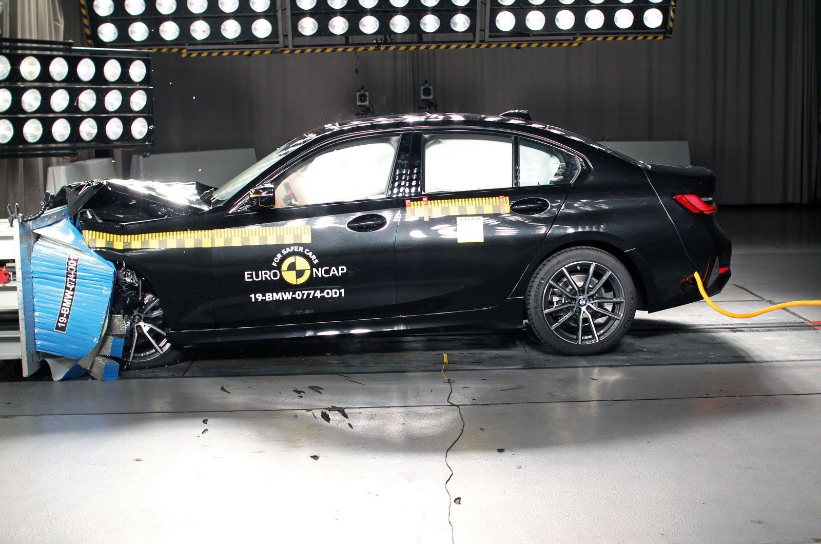 BMW 3 Series crash test