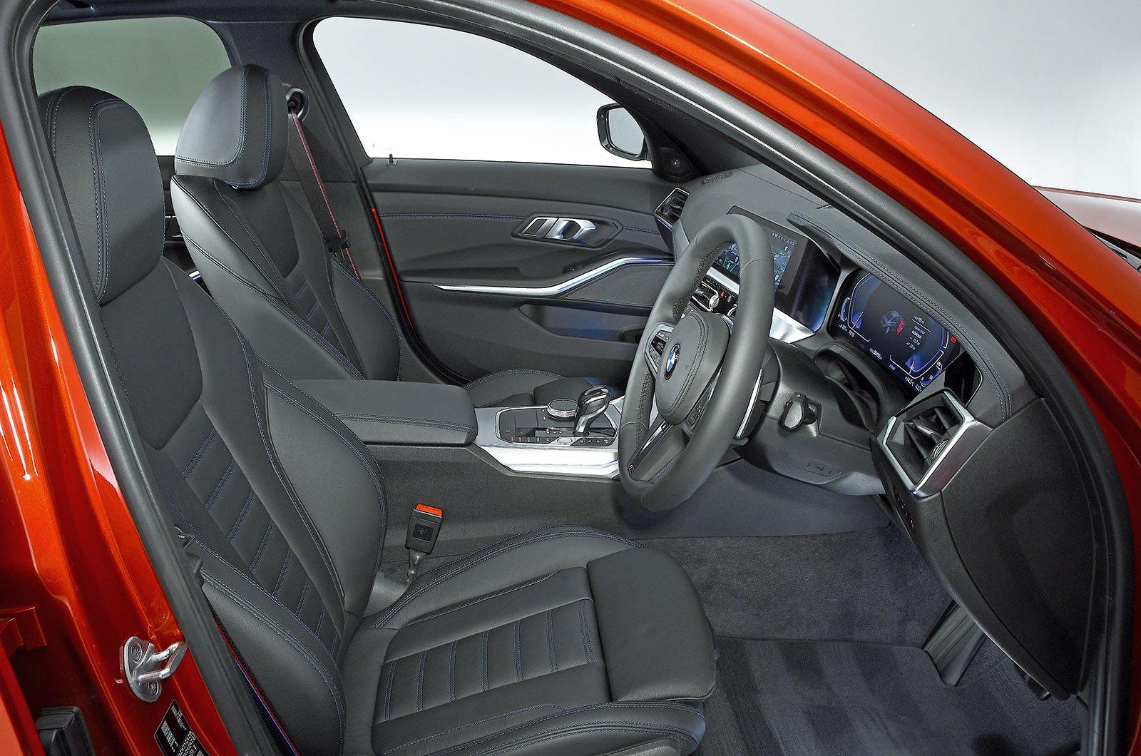 BMW 330e seats