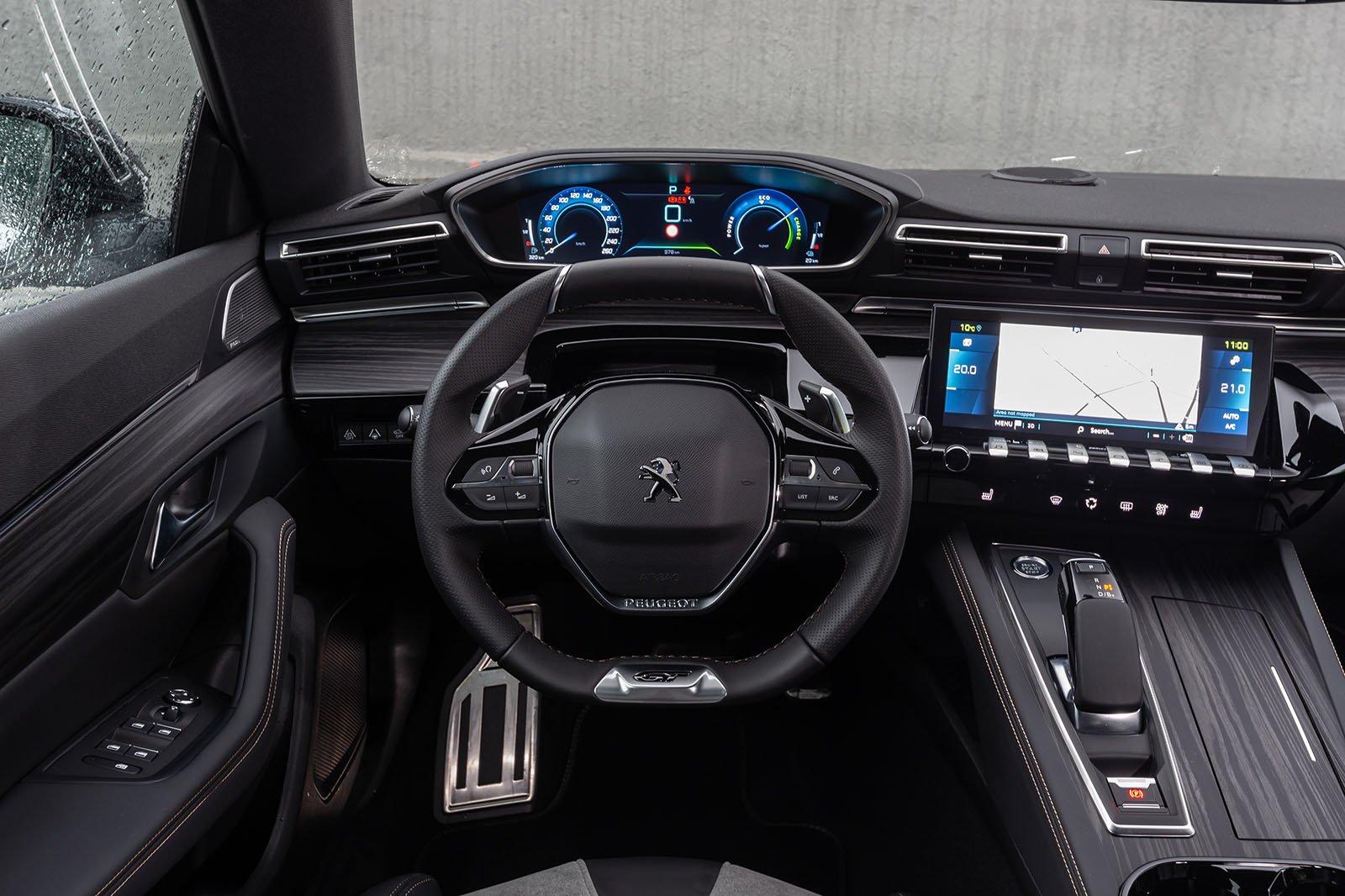Peugeot 508 Hatchback Hybrid 2020 dashboard LHD