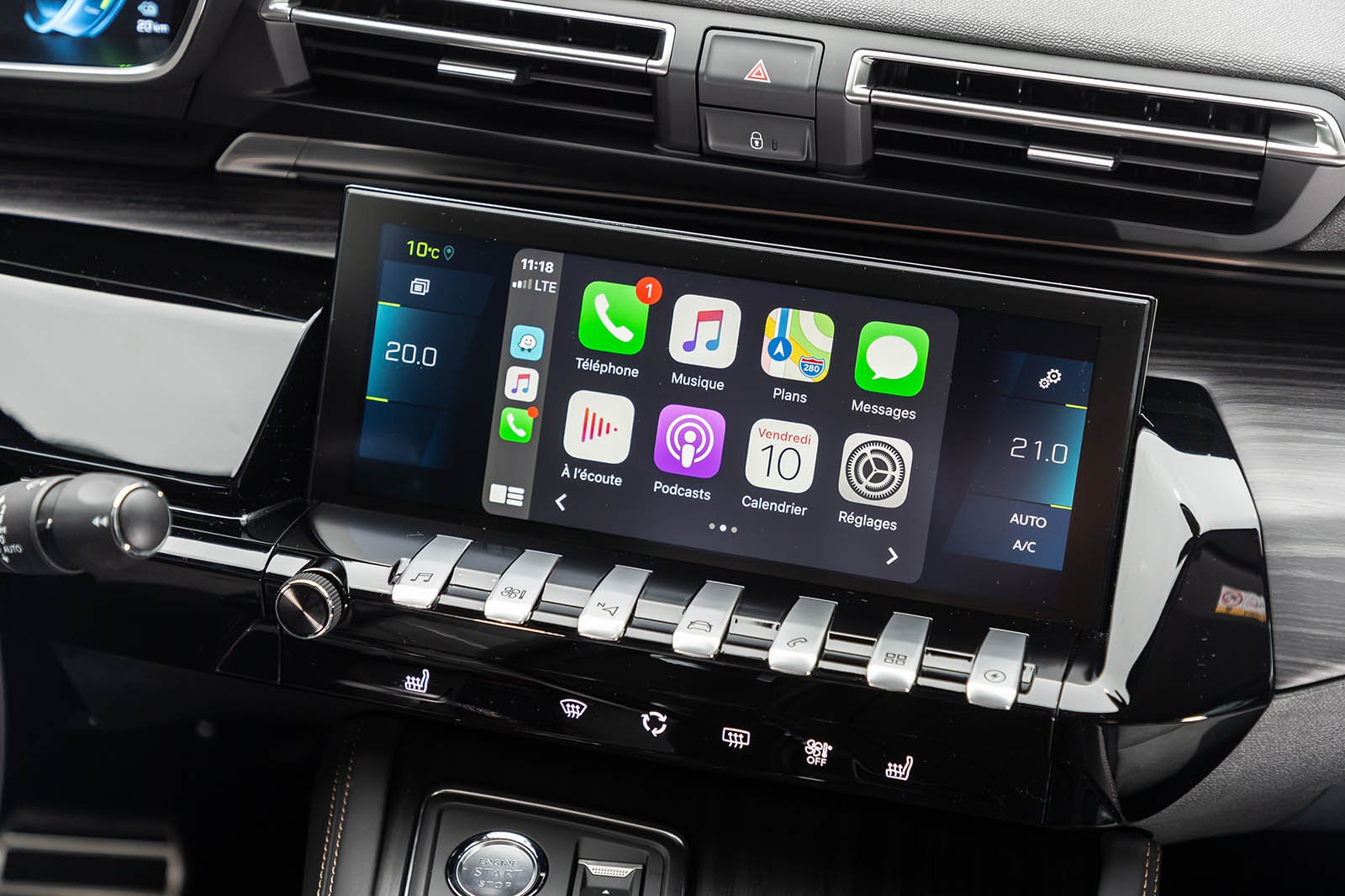 Peugeot 508 Hatchback Hybrid 2020 infotainment LHD